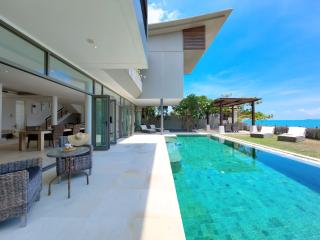 LUXURY BEACHFRONT VILLA, Chaweng