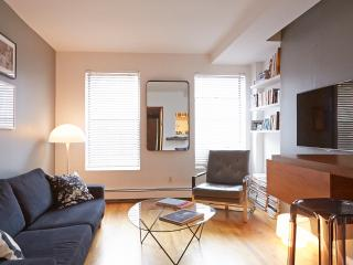 Stylish & Sleek 1 Bed Apartment in Noho!