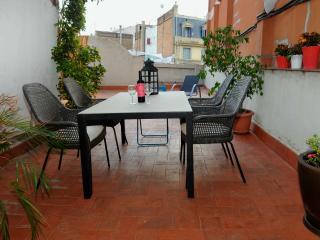 Centrico atico con terraza privada, Barcelona