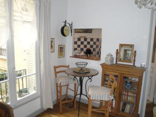 ALMERIA GARDEN APARTMENT IN MONTPARNASSE