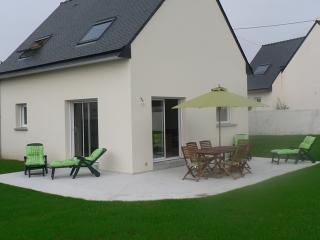 quiet house , 200 meters to beach, Tregunc