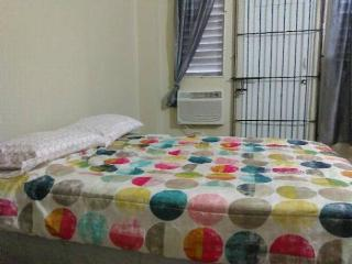 Studio San Juan, Apt # 4 With Balcony and Air Conditioning (A/C). Sleeps 3