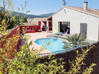 villa avec piscine,cuisine d'été,sans vis à vis.