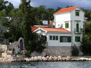 Maslenica, Zadar house on the sea