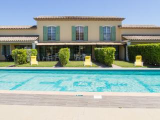 Villa de Charme-  SAINT TROPEZ- PISCINE- 4 ETOILES, Saint-Tropez