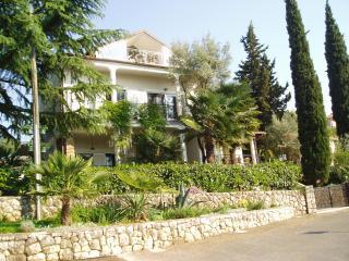 Villa Elizabet *** APARTMAN 4 mit Meerblick, Strand 100 meter