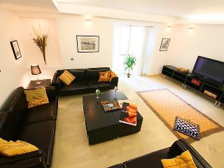 Luxurious Duplex XIXth Cent. - PALACIO DESIRE, Seville