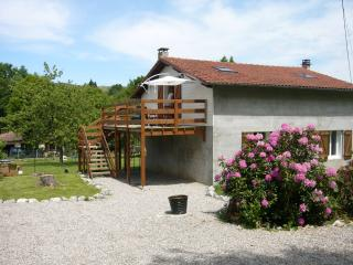 Beautiful holiday gite 4kms from historic Foix