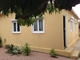"Villa "" LE TIKY"" bord de mer, parking et terrasse, Valras-Plage"