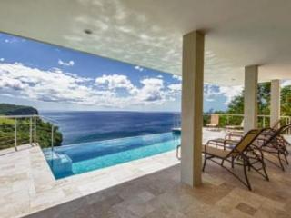 6 Bedroom villa with private infinity pool overlooking the bay and over the ocean, St. Lucia