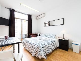 1.-GRAN VA (BALCONY G.V)  - ROOM PRIVATE, Madrid