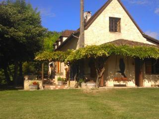 Grande maison du Périgord avec piscine (12 pers), Montcaret