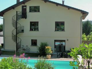 appartement en campagne dans le Bugey,avec piscine, Lagnieu