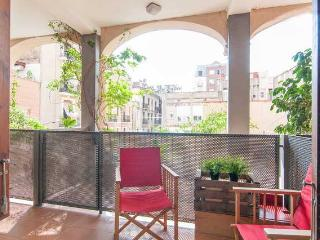 Oasis in Gracia Neighborhood , two terraces!