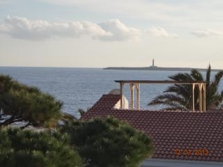 Quiet Modern Minimalistic Apartment with Sea Views, Sant Lluis es
