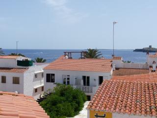 Quiet Modern Minimalistic Apartment with Sea Views