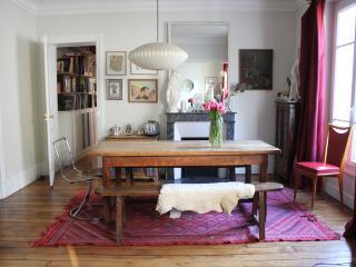 Appartement chaleureux, lumineux, spacieux a Paris