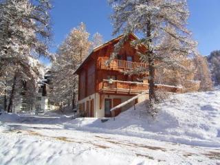 LES ORRES/Embrun: Serre-Ponçon, Chalet pied des pistes direct télésiège 11 pers