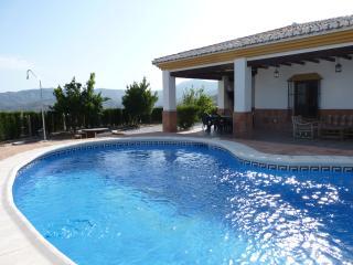 Casa rural con piscina Adrian