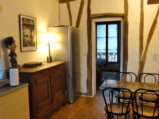 Appartement dans passage Privé très calme.