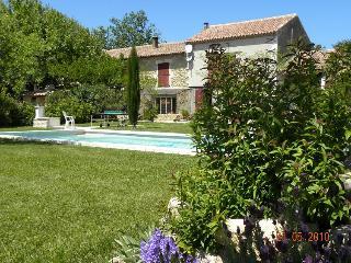 Gîte la Feniere  en Provence, Senas