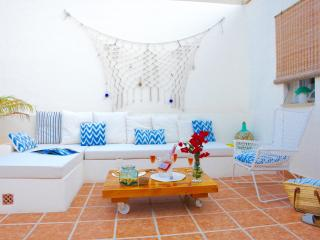 Detached House in Palma. A/C & WiFi. Private Patio and Terrace