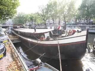 Authentic fully renovated Houseboat in the Centre., Amsterdam