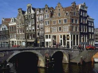Spacious Luxurious Canal House in the Jordaan, Ámsterdam