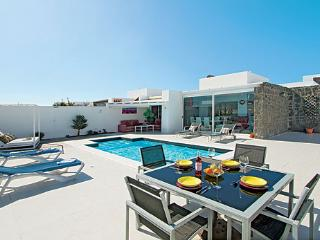Luxury villa with private heated pool, 4 beds, Playa Blanca