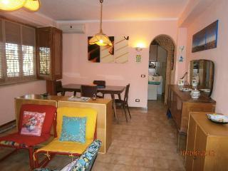 villa indipendente 100mq 9 posti letto e giardino, Terrasini