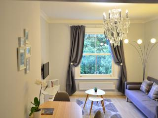London, Kensington and Chelsea 1 Bed Apartment