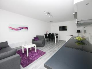 Relax - Modern Apartment with Balcony & WIFI, Viena