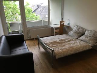 Amazing Room in the Center of Düsseldorf, Dusseldorf