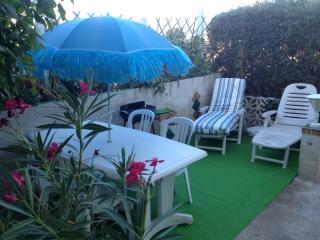 Dans villa charmant duplex terrasse/jardin parking, Cassis