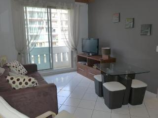 2 bedroom flat to rent in Central Marseille