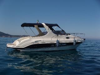Imbarcazione cabinata, 8 posti 227 hp 7,5 metri
