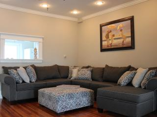 Newly Renovated - 5 Bedrooms - Beach Block, Ocean City