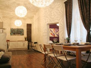 7 Zimmer Apartment Friedrichshain