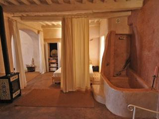 LA CASA CHE RESPIRA Amiata, Borgo toscano del '500