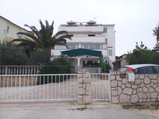 Sea view apartment Mandre