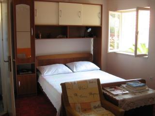 Studio Apartment B Vis