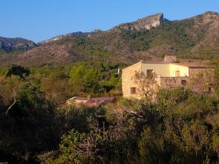 Pedraletas - Beautiful Masia with Private pool, Rasquera