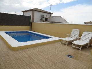 Villa with private pool from 37 euros night, Malaga