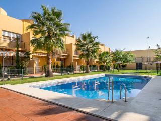 Precioso chalet con piscina y aire acondicionado