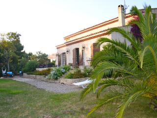 Villa dans domaine privé, mer, piscine & tennis