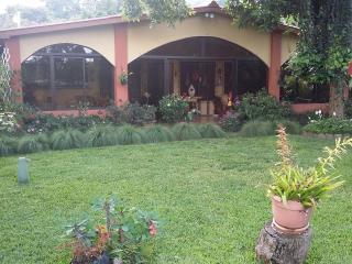 """Casa de Montaña """"Las Nubes"""", Santa Tecla"""