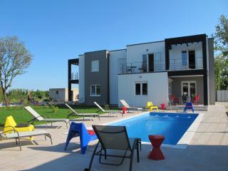 Villa Mirna, Liznjan