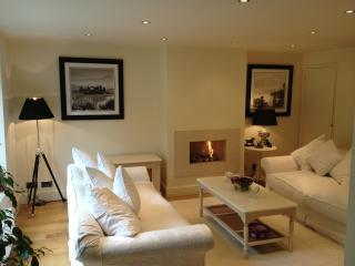 Luxurious 2 Double Bedroom House, sleeps 4, Henley-on-Thames