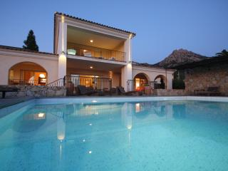 Villa de prestige avec piscine et vue sur Calvi, Lumio