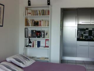 Coeur d'Avignon, charmant studio climatisé, wifi, Aviñón
